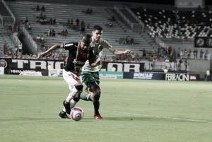 Com gol de Amaral, Chapecoense bate Joinville fora de casa e mantém ponta no Catarinense
