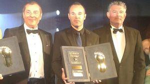 Iniesta, galardonado con el Golden Foot 2014