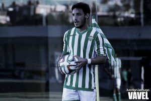 Isaac Carcelén llega para reforzar el lateral derecho