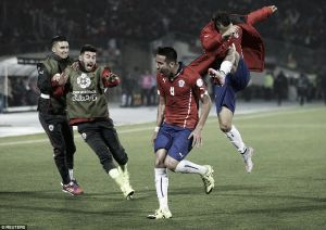 Chile 1-0 Uruguay: Hosts defeat holders to reach Copa America semi-finals