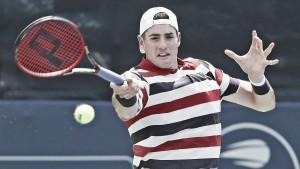 John Isner sofre, mas elimina Mischa Zverev no ATP 250 de Atlanta