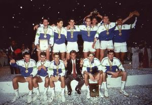Venticinque anni fa l'Italia salì per la prima volta sul tetto del Mondo nel volley maschile