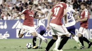 El Nàstic perdona a un Zaragoza con diez