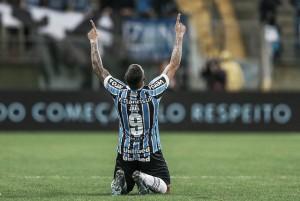 Com reservas, Grêmio bate Flamengo com direito a 'olé' e entra no G-4 do Brasileiro