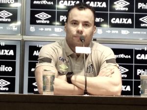 Jair Ventura atribui derrota contra Inter à expulsão e evita falar de arbitragem polêmica