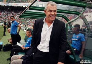 Aguirre sale reforzado del Camp Nou