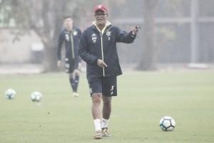 Sob os olhares de Rueda, Flamengo perde e Jayme admite atuação abaixo do esperado