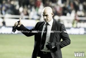 """Paco Jémez: """"El fútbol es superar situaciones adversas"""""""