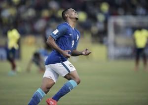 """Gabriel Jesus estreia na Seleção principal com dois golaços e vibra: """"Não podia começar melhor"""""""