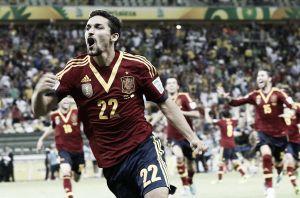 España se levanta en el descuento