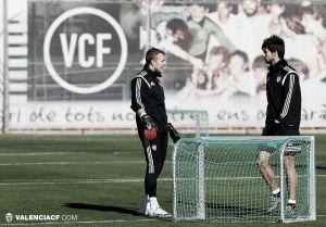 El Valencia vuelve al trabajo con numerosos contratiempos