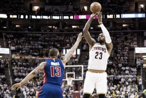 Cleveland Cavaliers fend off Detroit Pistons in Game 1, 106-101