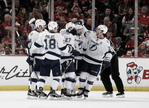 Tampa Bay Lightning defeat Detroit Red Wings in Game 4 with late goal from Ondrej Palat, take 3-1 series lead