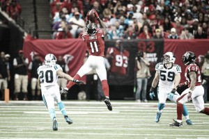 Un Matt Ryan y un Julio Jones históricos lideran a los Falcons