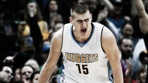Resumen NBA: los Raptors cortan su racha en Denver