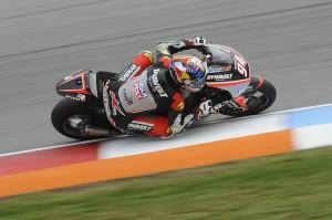 Moto2, sotto la pioggia di Brno vince Folger