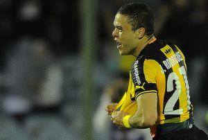 Con varias dudas, Peñarol ganó 2-0 y deberá esperar