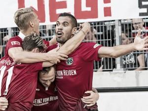 Hannover 96 se impone por la mínima al Schalke 04