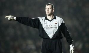 Jones backs Forster to break Southampton's clean sheet record