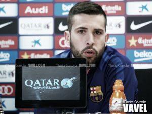 """Jordi Alba: """"Pedro no me ha dicho que quiera irse"""""""