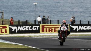 Resultado Primera carrera de Superbikes del GP de Australia 2015