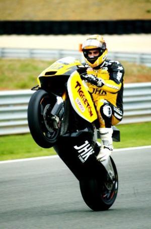 Moto2: el campeón Jordi Torres vuelve a ganar
