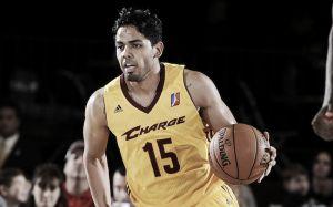 Los Bucks firman a Jorge Gutiérrez