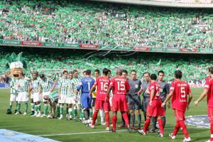 Serial derbi sevillano: del gol de Varela a la Uefa del Sevilla