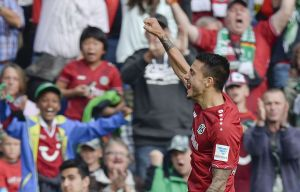 Hannover defeat Schalke after coming back from a goal down