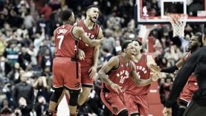 Resumen NBA: los Warriors siguen invictos, James reina y Joseph ejecuta