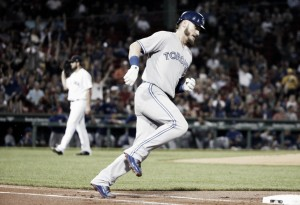 Donaldson, Hernández lead offensive outburst as Blue Jays top Red Sox