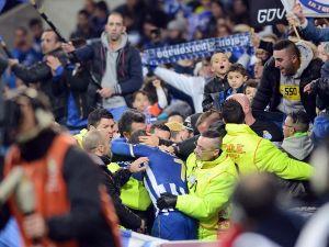Josué desata el éxtasis en Do Dragão metiendo al Oporto en las semis de la Taça da Liga