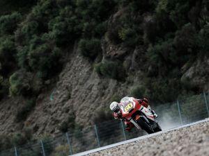 Julián Simón demuestra sus buenas maneras en el agua de Jerez