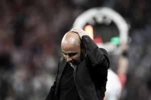 Decepcionado, Sampaoli assume culpa por derrota da Argentina e defende Caballero