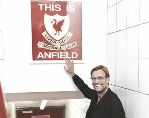 """Klopp: """"Celebremos el regreso de un viejo amigo, Rafa Benítez es uno de los más grandes en Liverpool"""""""