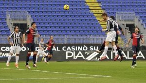 Juve, quattro gol al Cagliari e altro record