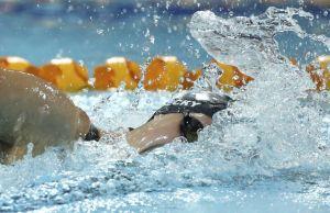 Ledecky destroza récords y Phelps vuelve a ganar