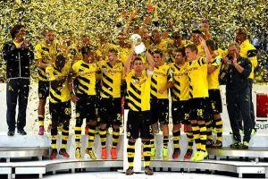 Dortmund defeat Bayern in curtain raiser