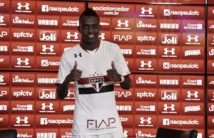"""Kelvin comemora chance no São Paulo: """"Vou agarrar com unhas e dentes"""""""