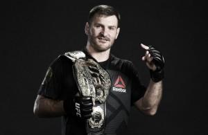 Stipe Miocic defende cinturão dos pesos-pesados contra Francis Ngannou no UFC 220