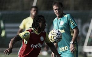 Com Arouca de volta ao time, Cuca confirma relacionados para enfrentar Corinthians