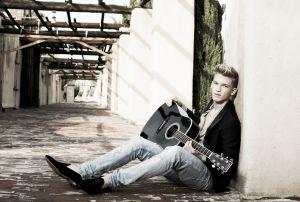 Cody Simpson estrena 'Flower' con la ayuda de Miley Cyrus