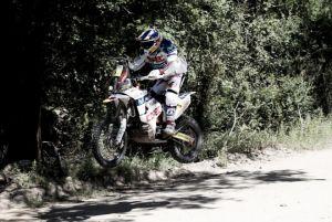 Una operación de rodilla deja a Chaleco López fuera del próximo Rally Dakar