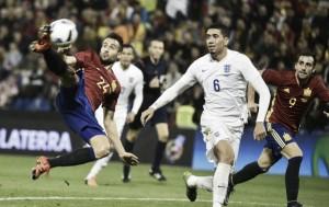 El gol de España se tiñe de amarillo