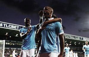 Debut goleador del Manchester City liderado por Yaya Touré