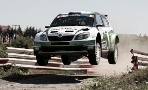 Kopecký se salva de los problemas y lidera el Sibiu Rally