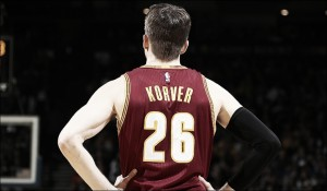 Kyle Korver re-signs with Cleveland Cavaliers on multi-year deal