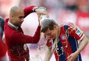 Résumé de la dernière journée de Bundesliga: Le BVB et Schalke grandiose, le Bayer se sauve!