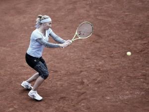 Kuznetsova afianza su condición de favorita