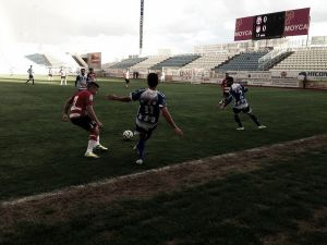 El Granada B tira de oficio para vencer a La Hoya Lorca